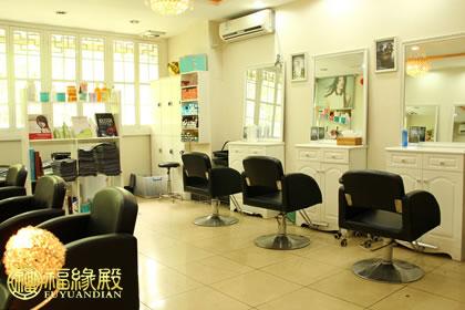 如今的理发店几乎都包含了形象设计,美容护理等功能,却忽略了它